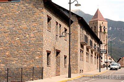 Apartamentos Solans de Bielsa es una oferta de turismo rural que pertenece a la red de alojamientos de Turismo Verde de Huesca.
